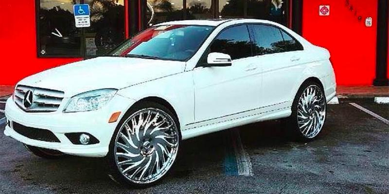 Mercedes-Benz 300C with A/F Series AF184